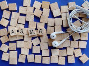 Golpecitos y susurros. El fenómeno de escuchar buscando cosquilleos. (Foto: Pexels)